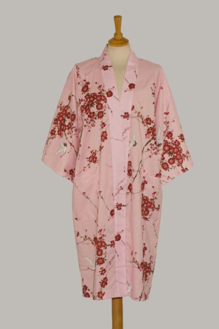 Denne kimono Crane with Cherry Blossoms, 3/4 lang, pink, udført i 100% bomuld