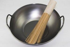 wok gryde fladbundet til komfur og induktion, med jernører