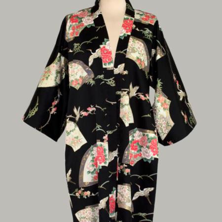 sort kimono Crane Senmen-Ni-Tsuru, 3/4 lang, udført i 100% bomuldssatin