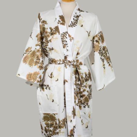 kimono Crane with gold Chrysanthemum, kort, hvid, udført i 100% bomuld