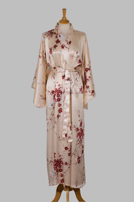 silkekimono Cherry Blossom, lang, i beige med japansk kirsebærtræ på ensfarvet baggrund