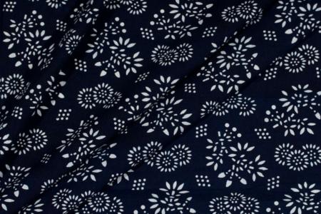 blå indigo batik med cherry blossoms