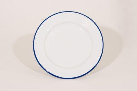 emalje tallerken i farven hvid med blå kant 22 cm i diameter
